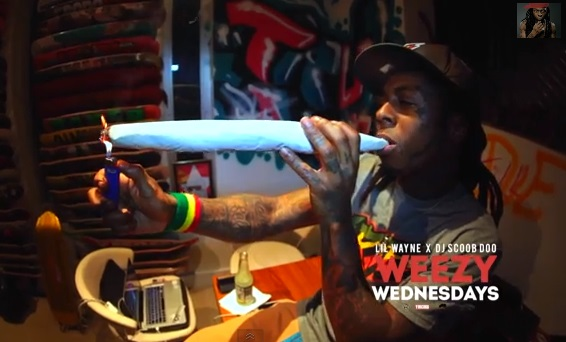 Lil Wayne Smoking Colorful Weed Damn!! Weezy Smoke a &...